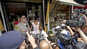 Entertainment Embed: To be the Paparazzi!
